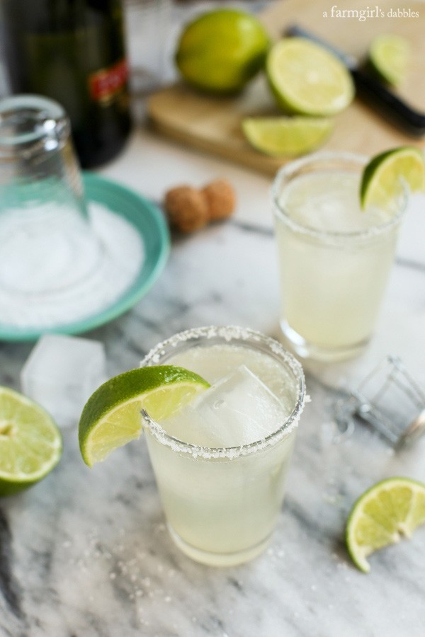 Two beloved perfect-before-5pm drinks, in one bowl. Here's the recipe for Prosecco margaritas.