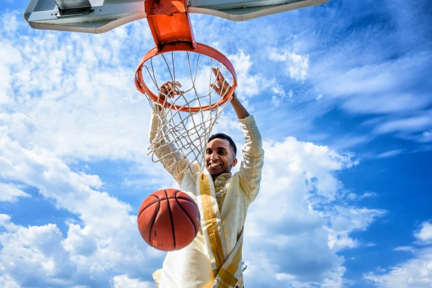 """""""Since it was more difficult to incorporate basketball into the Hindu ceremony we chose to do a post-wedding photo shoot at a basketball court with our wedding party,"""" Jeganathan told BuzzFeed Canada."""