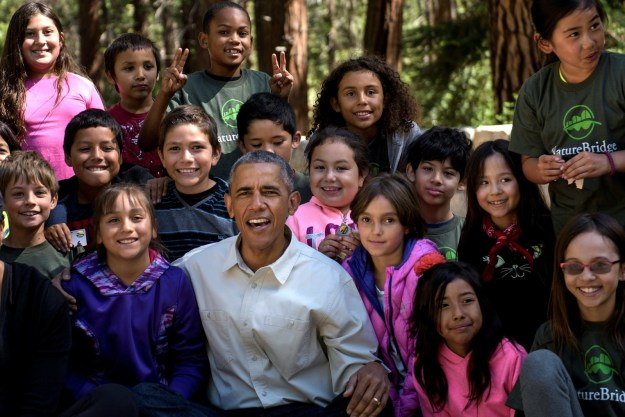 President Obama hung out with a group of kids while on a trip to Yosemite National Park with his family over the weekend, and it was pretty darn cute.
