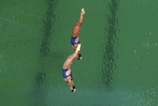 The aquatics center hosted the women's synchronized diving finals on Tuesday, and yep, that water was GREEN.