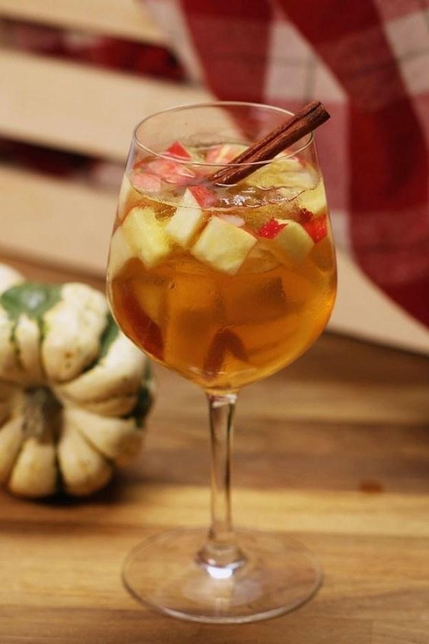 Apple Cinnamon Fall Sangria