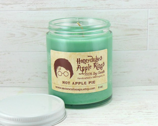 A hot apple pie candle that smells like Saturday mornings spent at Honeydukes Sweetshop.