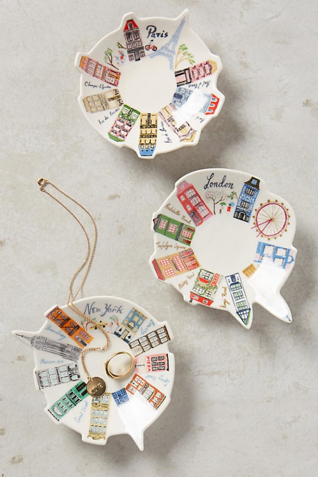 Ceramic trinket dishes decorated with buildings from a variety of cities.