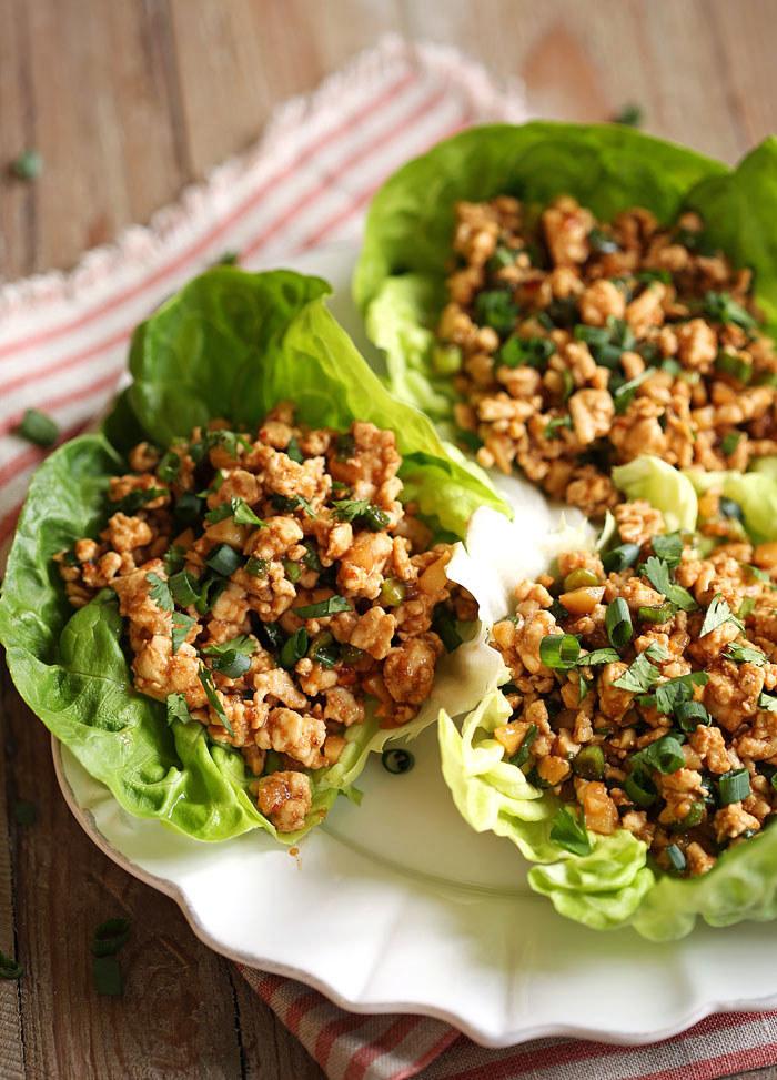 También lo podrías sustituir por pollo molido sin grasa o carne molida. Lee la receta aquí.