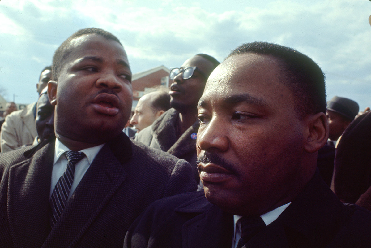 23 Incredible Full Color Pictures Of Martin Luther King Jr