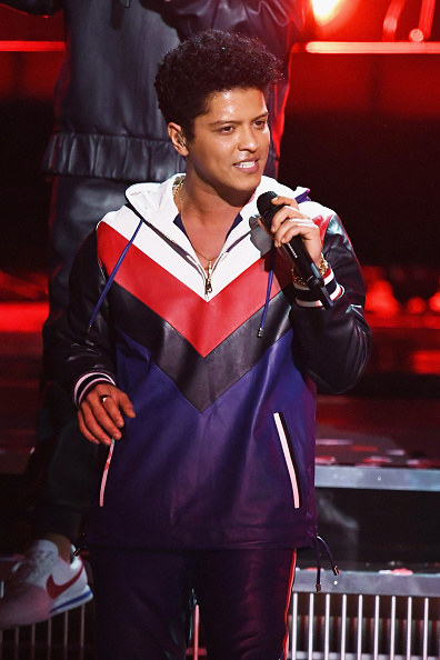 """You: """"WAIT, WHAT?! THE BRUNO MARS??"""""""