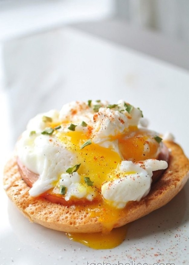 Eggs Benedict on Cloud Bread