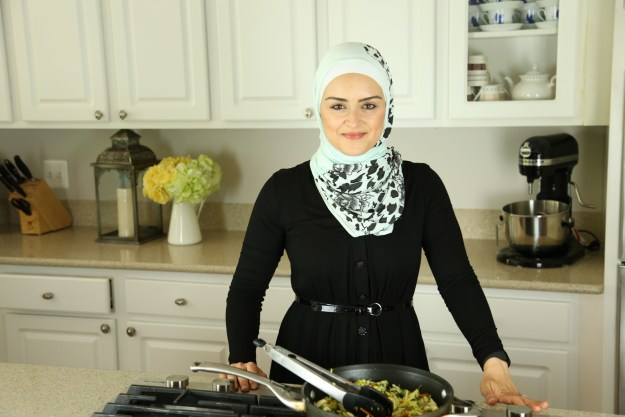 My name is Nour Zibdeh. I'm a functional dietitian and nutritionist, and I'm a practicing Muslim, living in Northern Virginia.