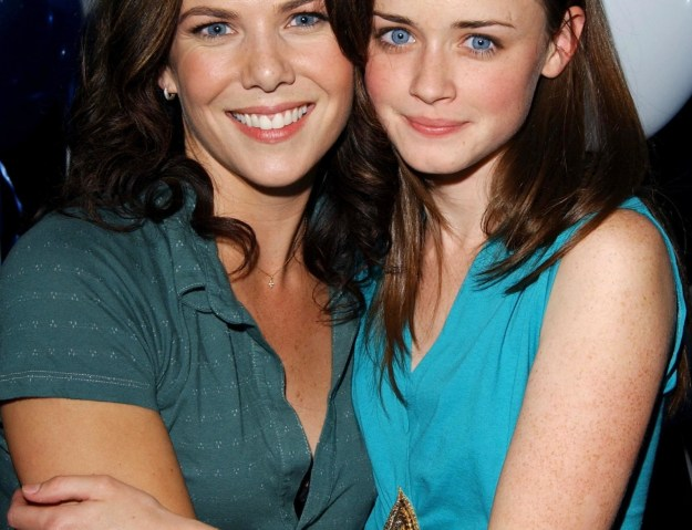 While many fans are looking for answers after the way Gilmore Girls: A Year in the Life ended, Lauren Graham (Lorelai Gilmore) believes another season might be a bad idea.