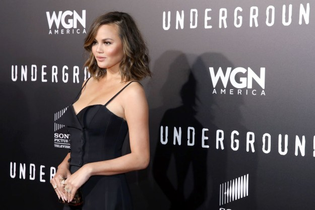 Between her fire clapbacks and trolling her own husband, Chrissy Teigen speaks her mind and has fun doing it, pretty much making her the uncrowned queen of Twitter.
