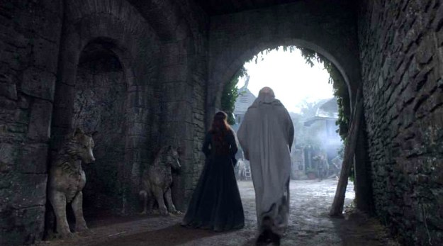 As eagle-eyed Redditor Lardt first pointed out, this is what the lovely stone direwolves in front of the Crypt of Winterfell looked like in happier times, in Season 1...