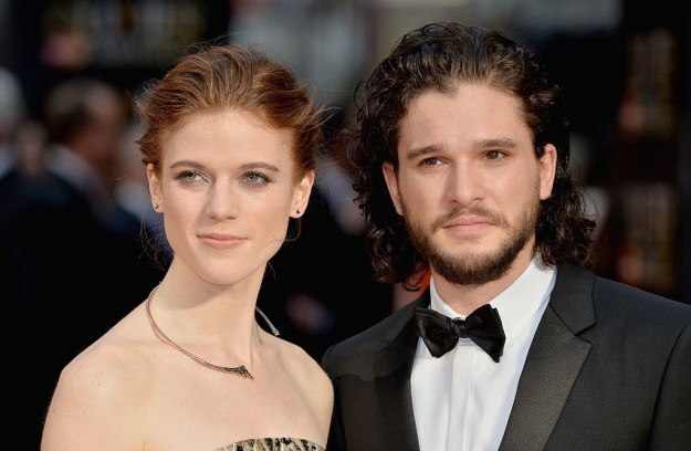 Yesterday, a source confirmed to People magazine that everyone's favourite IRL Game of Thrones couple, Kit Harington and Rose Leslie, are ENGAGED.