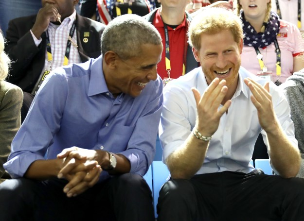 Barack Obama made a little ~surprise visit~ to the Invictus Games in Toronto yesterday, where he reunited with his BFF Prince Harry. And the pictures will warm the cockles of your cold, dead heart.