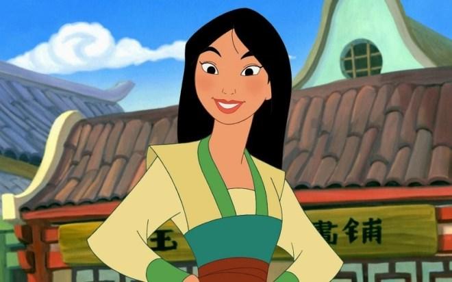 Ok, para provar seu valor Mulan precisa fingir que é um homem, pois apesar de ser uma ótima guerreira ela é proibida de lutar por ser mulher. Mas essa personagem foi bem surpreendente para a época, com um ideal de princesa diferente do habitual.