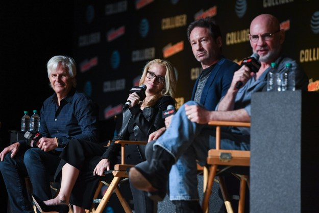 On Sunday at New York Comic Con, The X-Files creator Chris Carter was joined by cast members Gillian Anderson, David Duchovny, and Mitch Pileggi to talk all things Season 11.