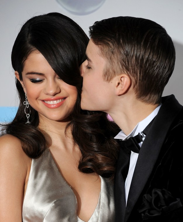 Let's start this off with a brief history lesson: From 2011 to 2014, Justin Bieber and Selena Gomez were dating on and off. You probably remember the Jelena era.