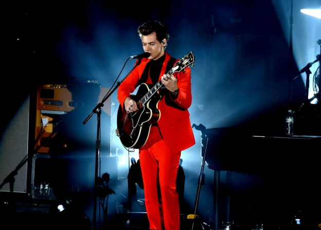 All red suit: DANGEROUS AND FLIRTY!