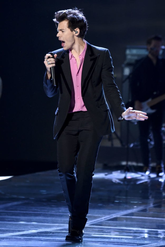 Black suit with pink shirt: GREAT.