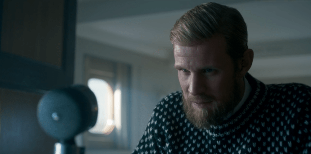 Just when you think I am running out of Matt Smith beard content, I should inform you right away that his beard continues to grow and grow.