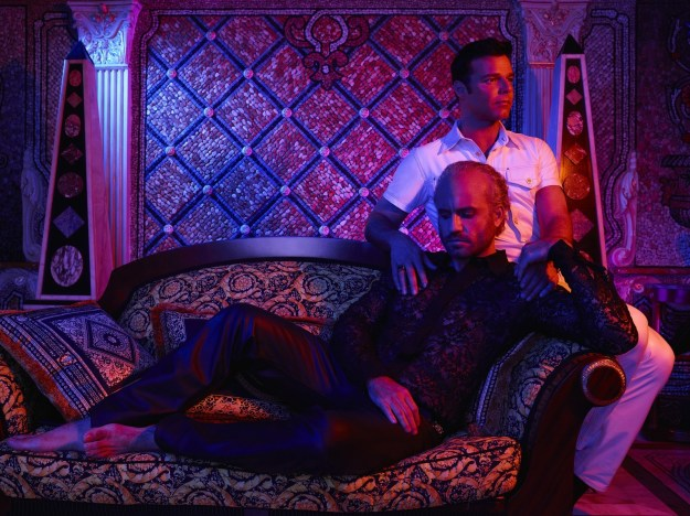 The Assassination of Gianni Versace, Ryan Murphy's new FX show profiling serial killer Andrew Cunanan and examining fashion designer Gianni Versace's final years, premiered last night.