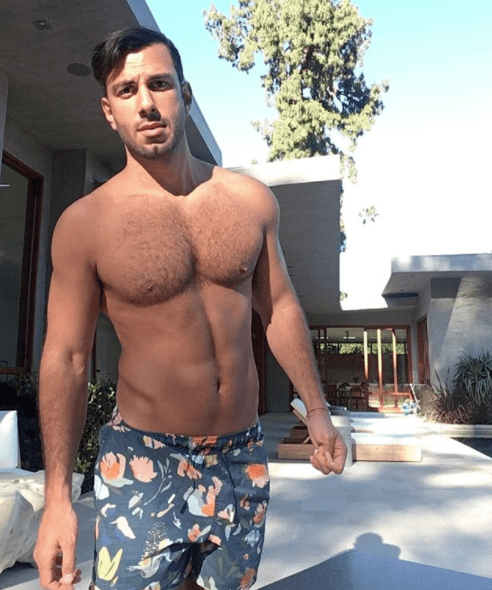 But for some ungayly reason, Ricky Martin's husband, Jwan Yosef, is someone new on my radar.