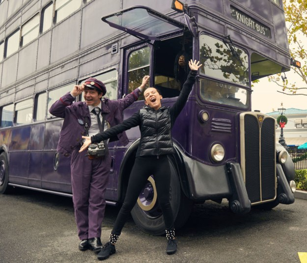 Millie Bobby Brown posed with the Knight Bus at The Wizarding World of Harry Potter.