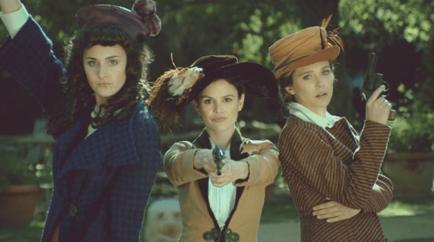 Elizabeth was also in an episode of Drunk History, so you know she's got an epic sense of humor.