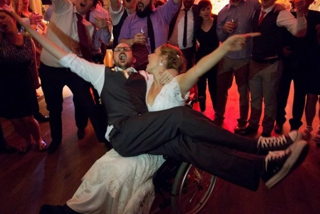This bride who broke her leg a week before her wedding, but handled it well with the help of her new groom!