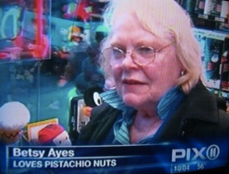 A simple nut-loving lady: