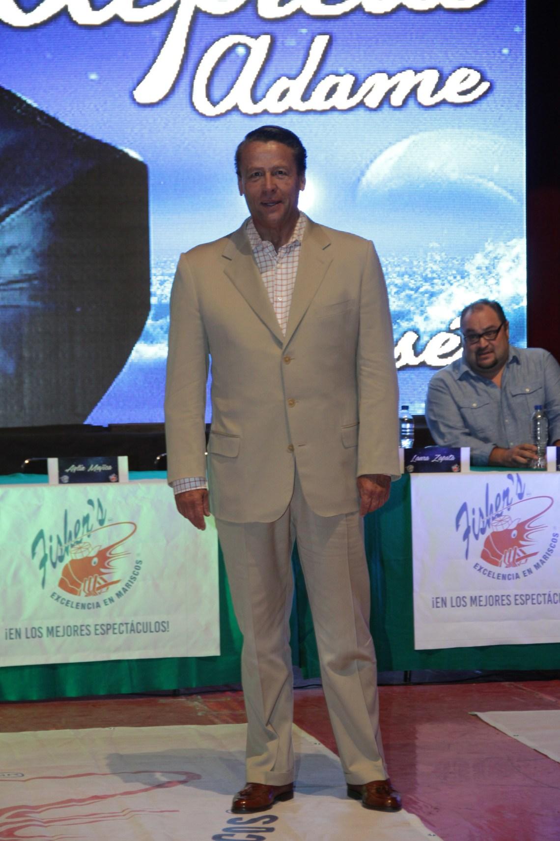El actor y conductor, quien alguna vez fue la imagen del jarabe Broncolín, primero intentó un lugar en el senado por Morena.