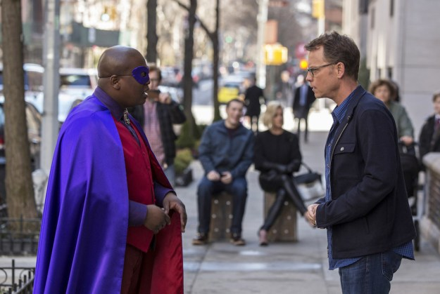 Greg Kinnear makes an appearance in the first episode, playing himself. After dropping off his son at school one morning, Kinnear ends up in one of Titus's master plans to try to win back Mikey.