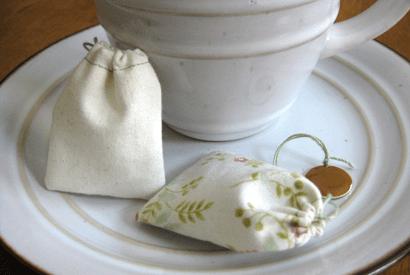 It's worth learning how to sew just for this DIY if you're a tea drinker.DIY Reusable Tea Bags Instructions