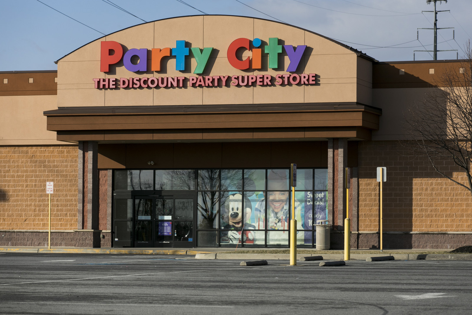 Party City Is Closing 45 Stores As A Global Helium Shortage