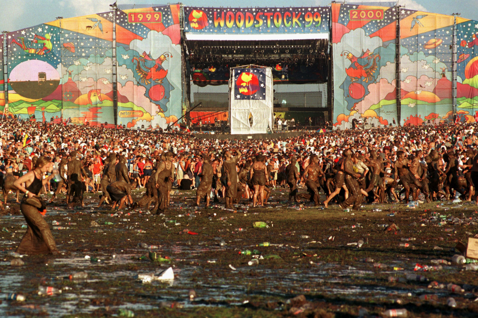 25 Pictures From The Shit Show That Was Woodstock '99