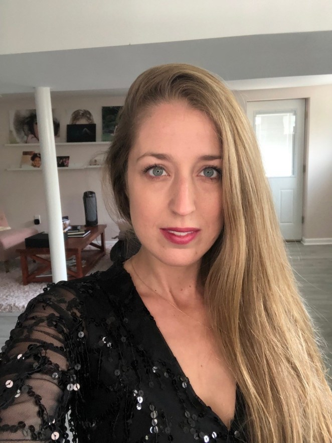 Photo of Nicole.