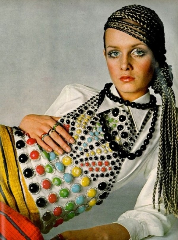 knitGrandeur: Vintage Jewel Embelishement