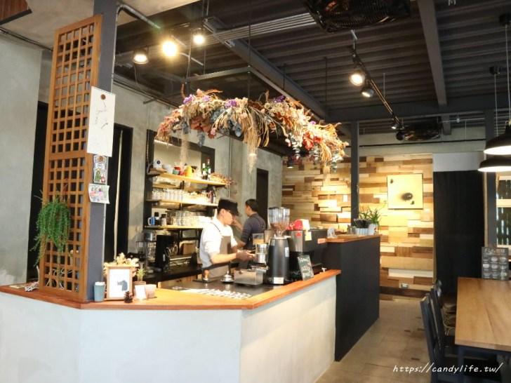 20180314215030 30 - 中興大學旁很有味道的老宅咖啡,激推大人味提拉米蘇~