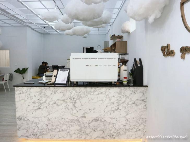 20181031205738 76 - 雲朵加上大理石超美的咕嗼咖啡,鬆餅是雞蛋造型,QQ的像麻糬
