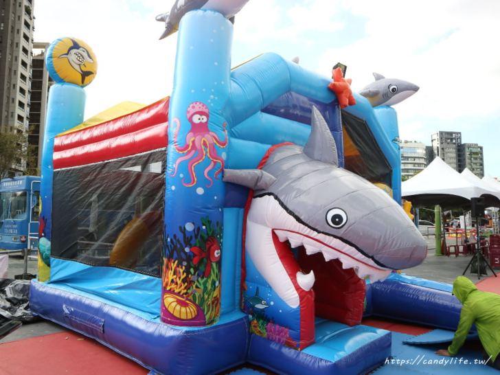 20191217142109 58 - 台中最大氣墊樂園在這裡!巨大星星、鯊魚還有北極熊,快帶小朋友來放風~