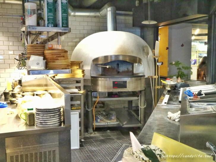 20200212145919 2 - 熱血採訪│充滿異國風情的義大利餐廳,手工窯烤披薩現場製作,甜點提拉米蘇也很讚~