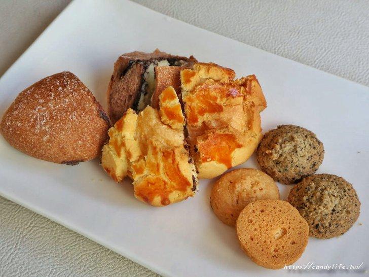 20200304160205 23 - 滿屋子都是龍貓的麵包坊,試吃給的超大方,麵包餡料滿滿,激推脆皮菠蘿,口味超多!