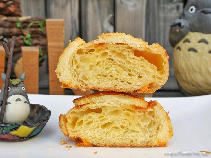 20200304160548 4 - 滿屋子都是龍貓的麵包坊,試吃給的超大方,麵包餡料滿滿,激推脆皮菠蘿,口味超多!