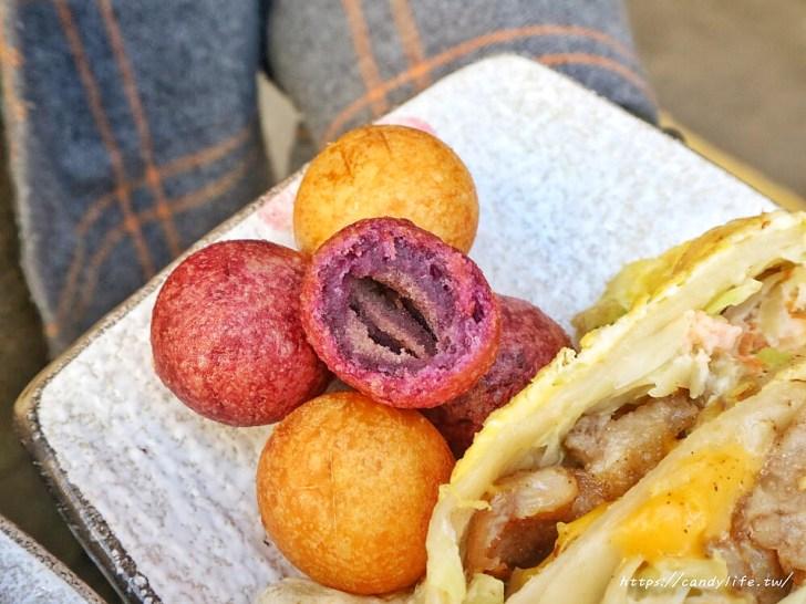 20200428110930 59 - 台中古早味粉漿蛋餅推薦~隱身在市場中的爆餡蛋餅!炒麵蛋餅超特別,雙色地瓜球也超好吃~