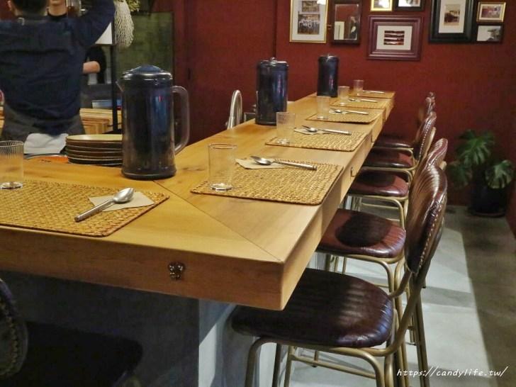 20200626100235 63 - 台中咖哩推薦,小酒館氛圍,店內只有10人座位,老闆是型男,營業是凌晨12點半~