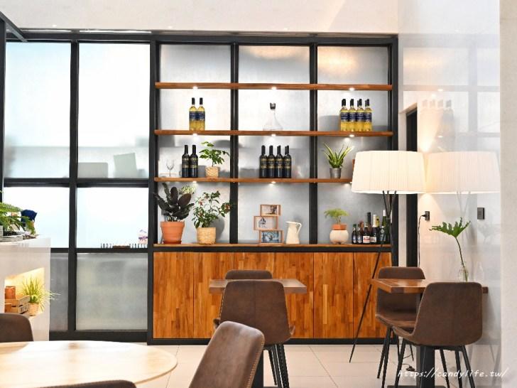 20200825004528 18 - 熱血採訪│台中方形瑪格麗特比薩,隱身在Hotel Z中,可愛咖啡杯座位,餐點擺盤超美又好吃