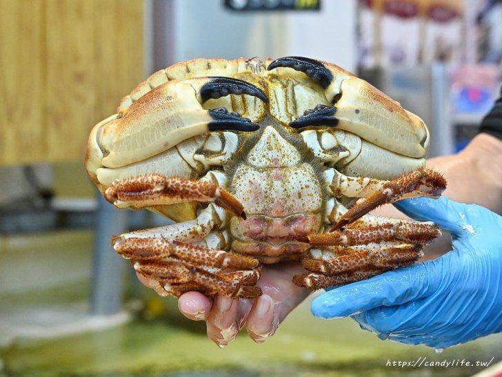 20210109123251 30 - 熱血採訪│想到海鮮就來阿布潘,從活體海鮮、壽司生魚片到熟食烤物應有盡有,人潮爆多快來搶鮮搶便宜