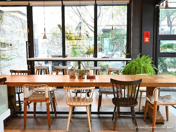 20210420122834 75 - 台中質感咖啡館,每個角落都好好拍,還有早午餐、輕食及甜點,一個人來也很適合~