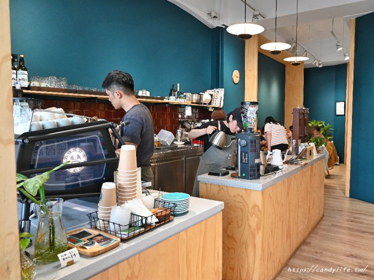20210509142044 26 - 台中咖啡館推薦,近台中柳川水岸,不只咖啡好喝,還有超可愛的鬆餅球~