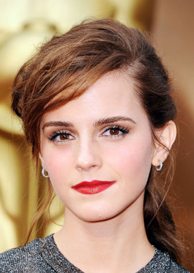 Emma Watsons Messy Ponytail At The 2014 Oscars Prom