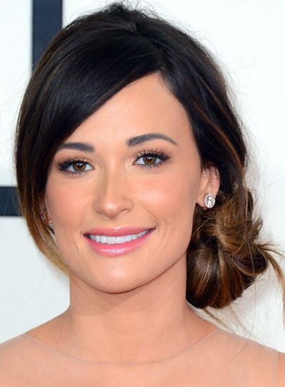 Kacey Musgraves Side Bun Hairstyle At The 2014 Grammy